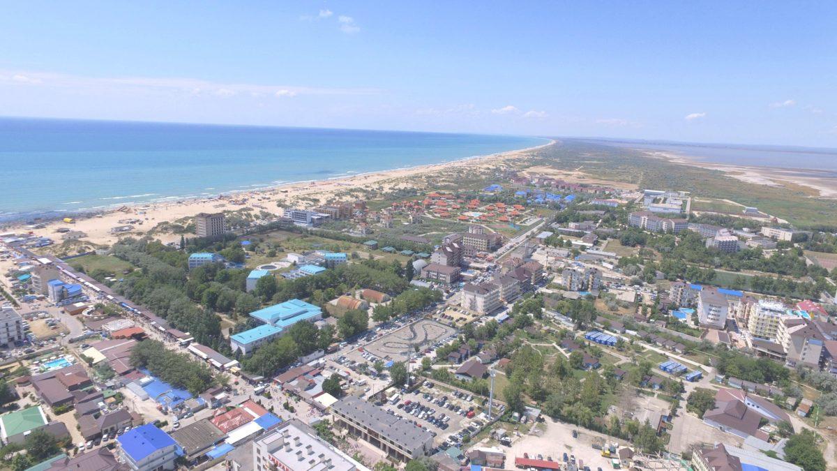 Gostevoj-Dom-Na-Beregu-Morya-Vityazevo-Nomera-Otdyha-TSeny-1200x675.jpg